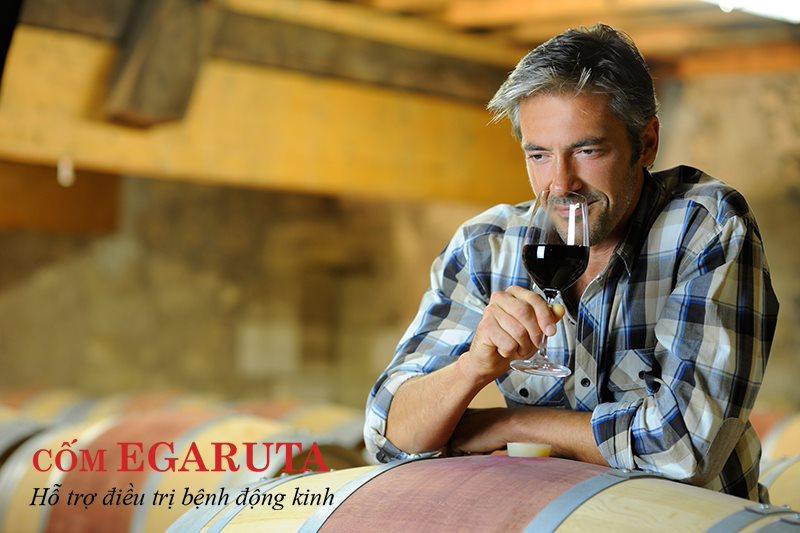 Nghiện rượu có thể là nguyên nhân gây bệnh động kinh ở người lớn